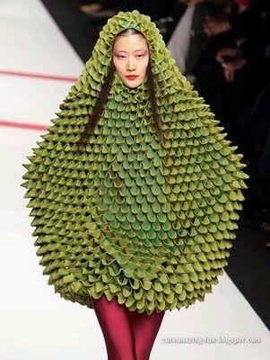 model-green-dress